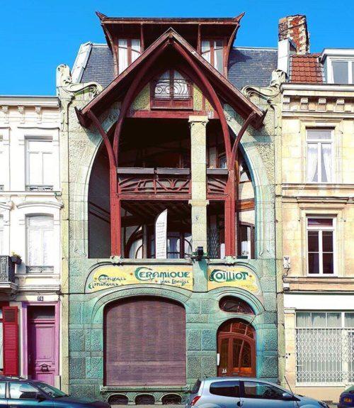 Une des plus mystérieuses façades de Lille