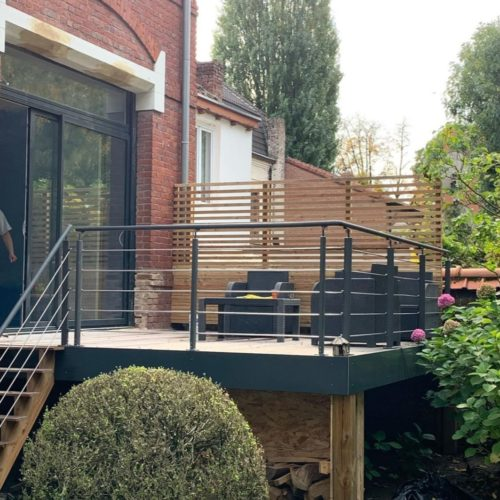 Belle terrasse suspendue